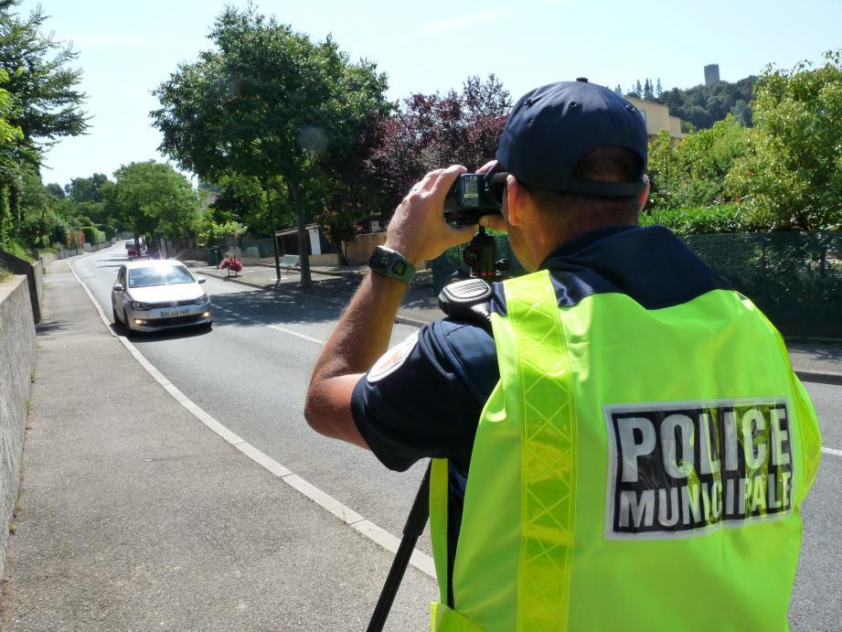 Les policiers municipaux de Villeneuve-Loubetfactureront désormais 120 euros au contrevenant arrêté ivre sur la voie publique. Une somme pour payer leur transfert vers la gendarmerie.