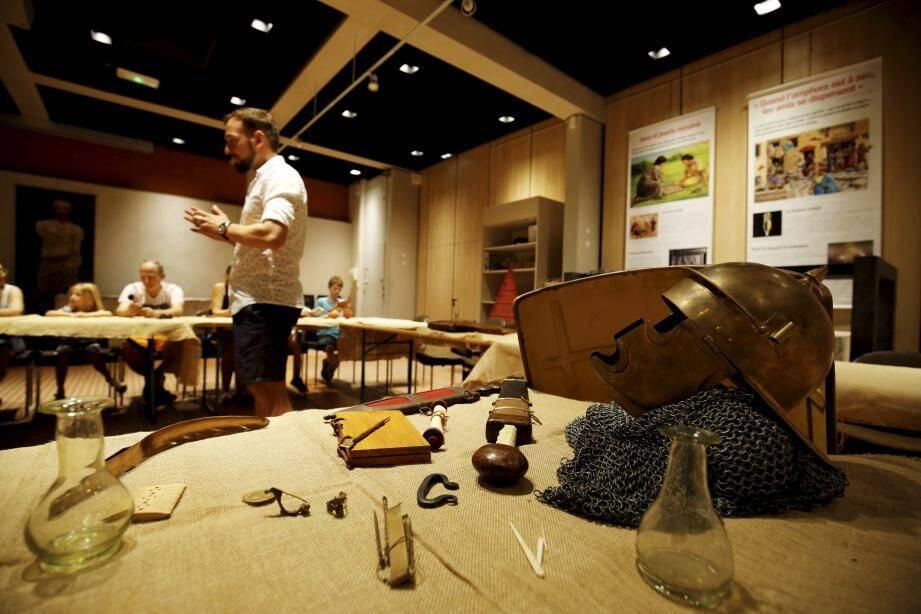 Glaive, javelot, tablettes de cire. À Cimiez, venez vivre comme il y a 2000 ans.