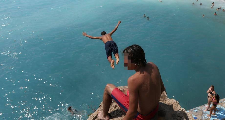 Un plongeon périlleux, ici à Nice (image d'illustration).