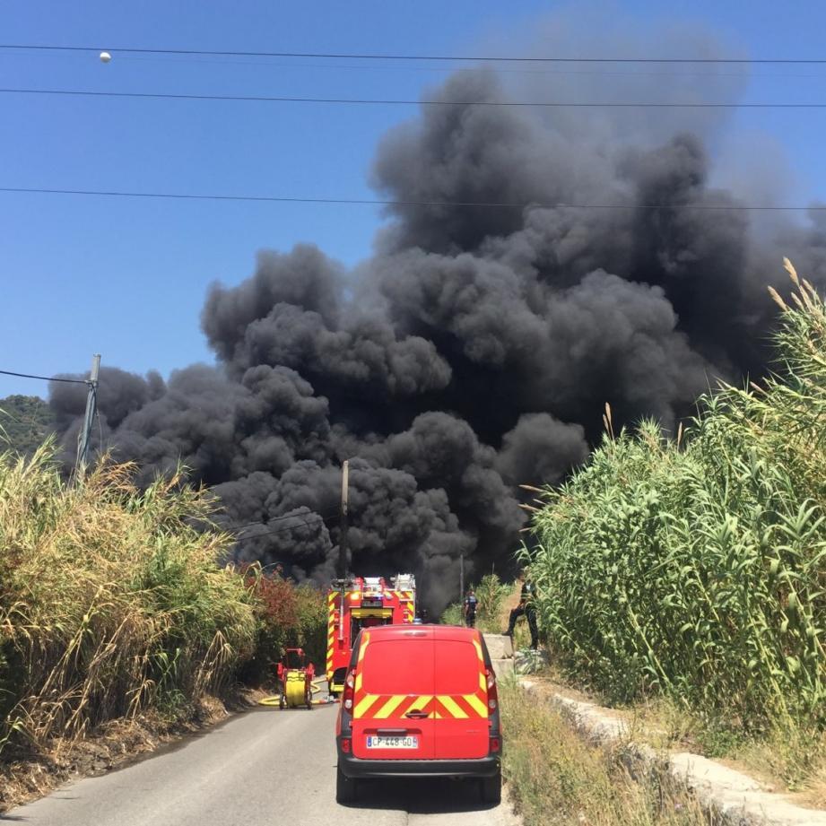 Le feu a pris chemin des Iscles, à Saint-Laurent.
