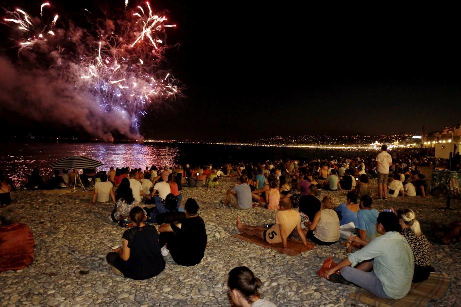 Ce samedi soir à 22 h, la ville a tiré avec un jour d'avance son feu d'artifice du 14-Juillet, sur le thème de la renaissance et du retour à la vie.