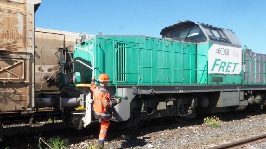 Un train de fret de la Sncf.