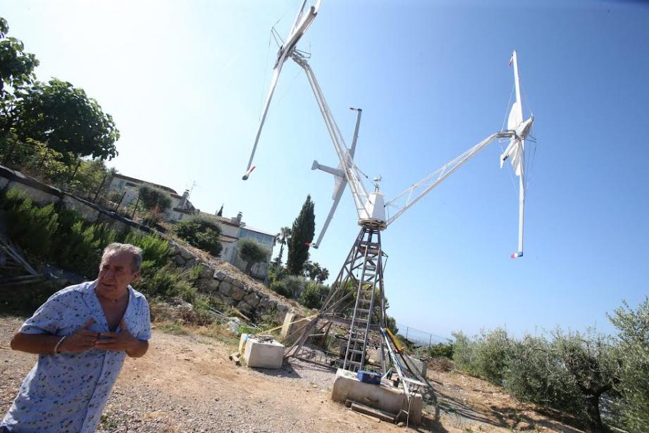 Charles Sarrazin, inventeur de l'aérogénérateur, envisage toute une gamme.