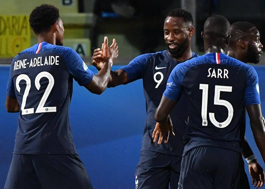 Jeff Reine-Adelaïde, Moussa Dembélé et Malang Sarr avec l'équipe de France Espoirs.