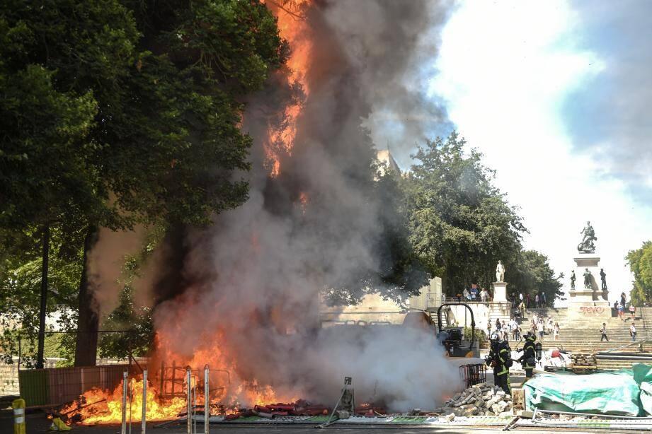 Avant le début du rassemblement, onze personnes avaient été interpellées à titre préventif, avait indiqué la police de Nantes.