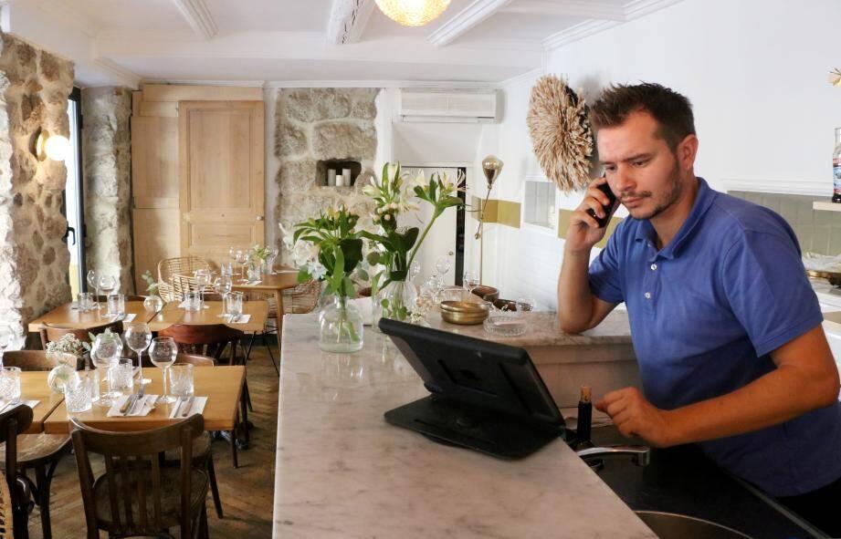 """""""Ce soir-là, vingt clients qui avaient retenu ne sont pas venus"""", déplore Pierre-Jean, du restaurant Les Agitateurs, à Nice."""