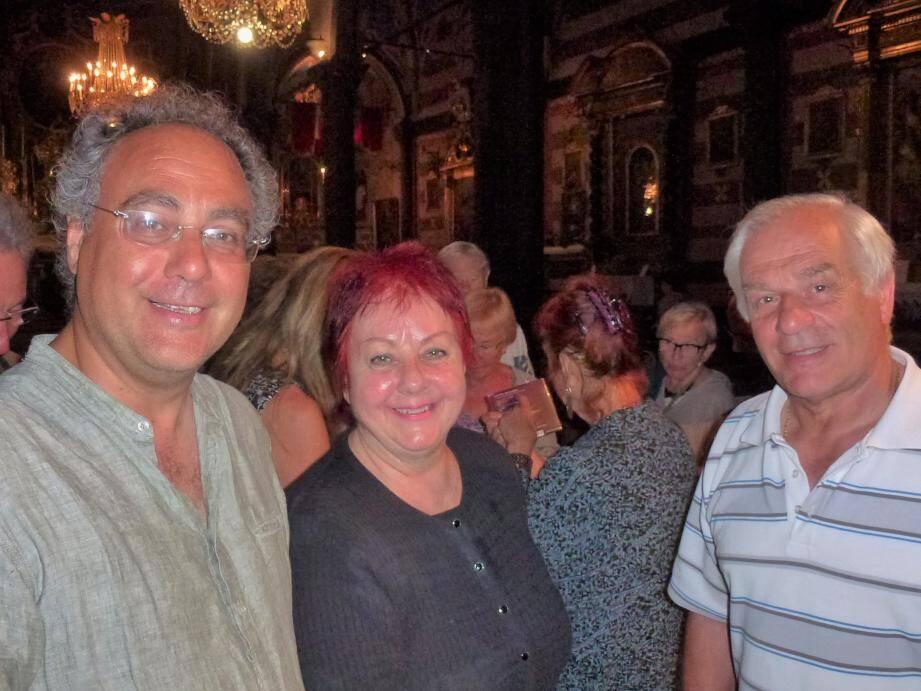 Le directeur artistique du festival Silvano Rodi et le maire Jean-Pierre Vassallo venus féliciter Cristina Garcia Banegas.