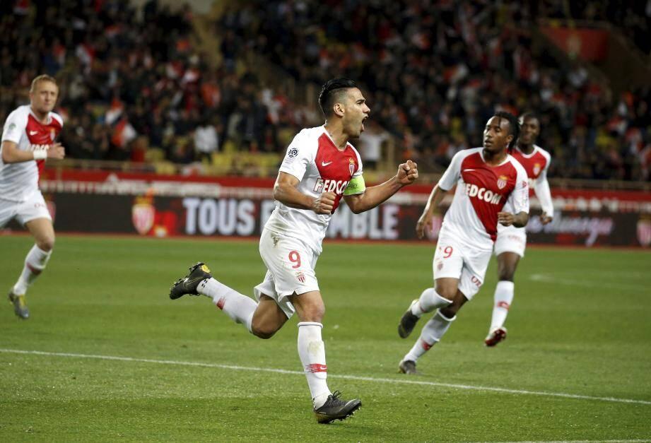 Deux mois et demi après leur victoire contre Amiens (2-0, buts de Falcao et Golovin), les Monégasques retrouvent le Louis-II.