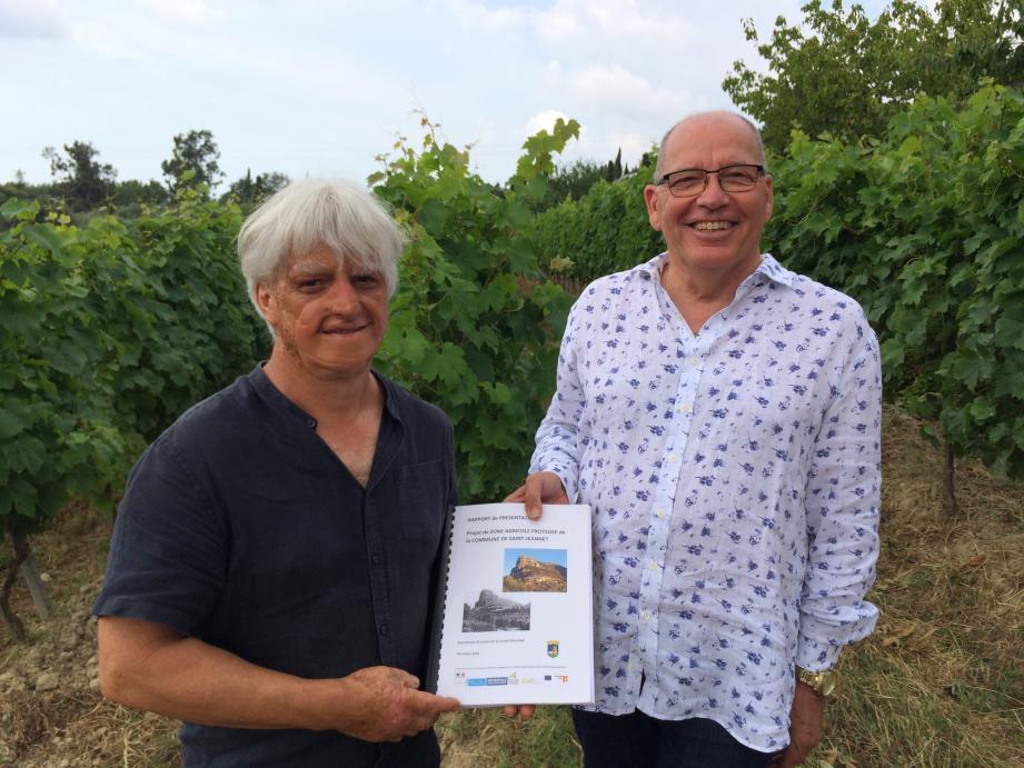 Jean-Michel Sempéré, le maire, et son 2e adjoint Denis Rasse qui est viticulteur ont l'ambition commune de faire en sorte que les habitants de Saint-Jeannet puissent avoir la possibilité d'être de vrais « locavores ». Denis Rasse est également membre de la confédération paysanne des Alpes-Maritimes, qui soutient ce projet.