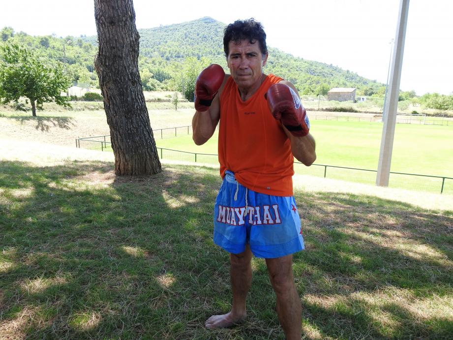Patrice Fernandez s'est rendu trois fois en Thaïlande afin de s'entraîner avec les créateurs de cette discipline.