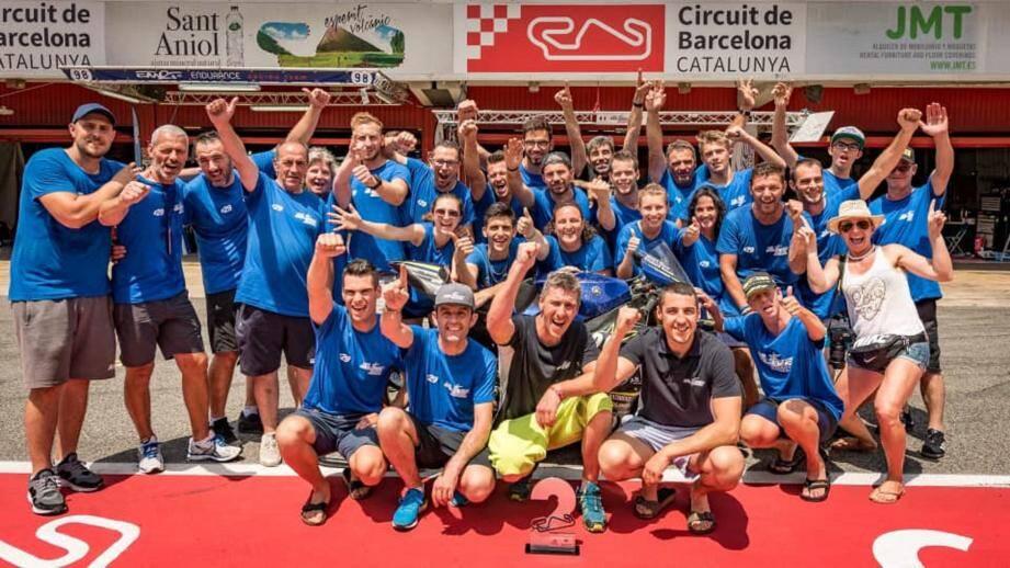 Les mines plus que réjouies du Team Olive Moto Endurance après la victoire.(DR)