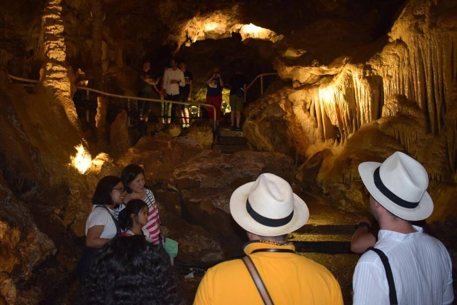 La température moyenne de la grotte est de 18,5 degrés.