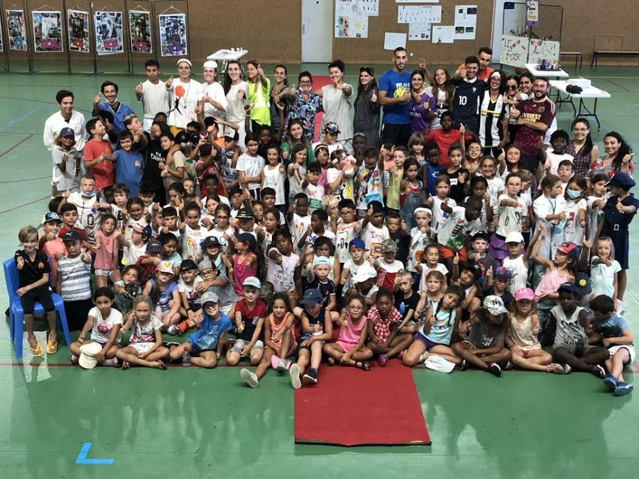 130 enfants de l'accueil loisirs Daudet ont célébré la mixité au Minotaure.