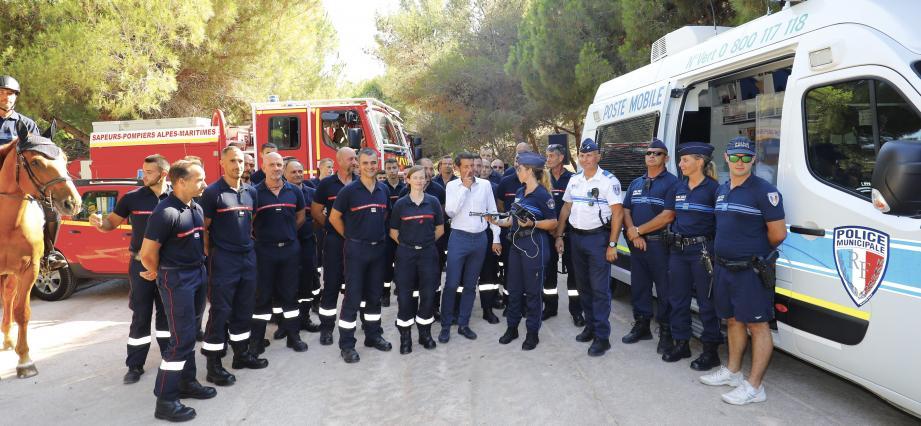 Les pompiers étaient réunis pour découvrir le nouvel outil et présenter leur dispositif de sécurité pour lutter contre les feux de forêt.