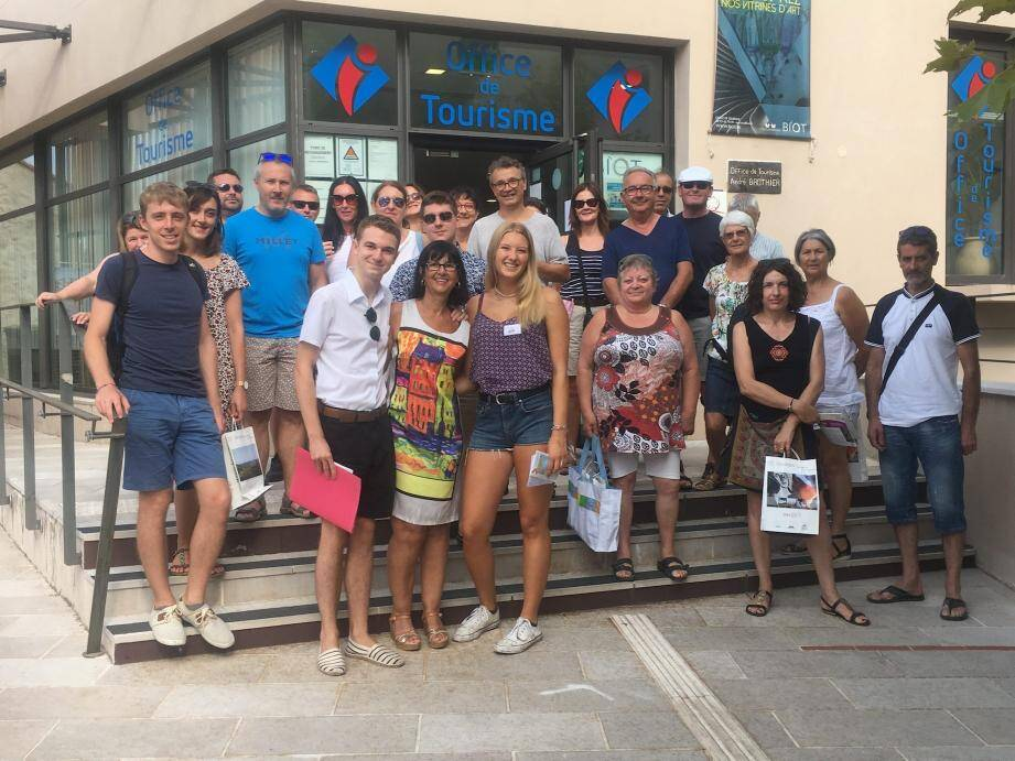 La dernière visite a attiré une vingtaine de touristes venus de toute la France et des pays voisins.