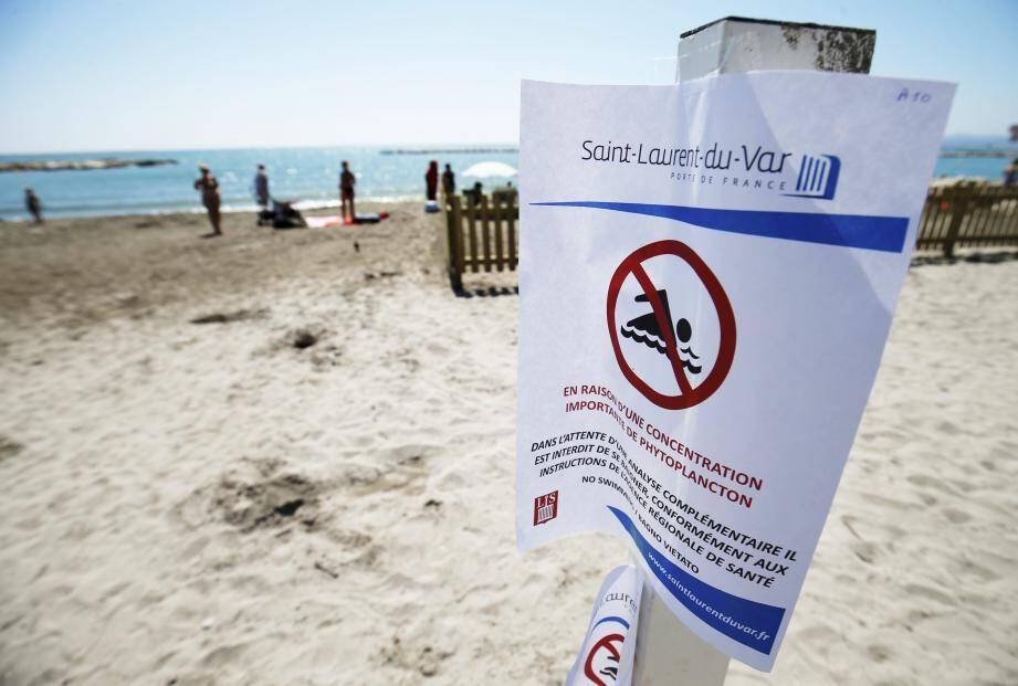 Par précaution, le maire de Saint-Laurent a fait poser des affiches interdisant la baignade sur toutes les plages de la commune.