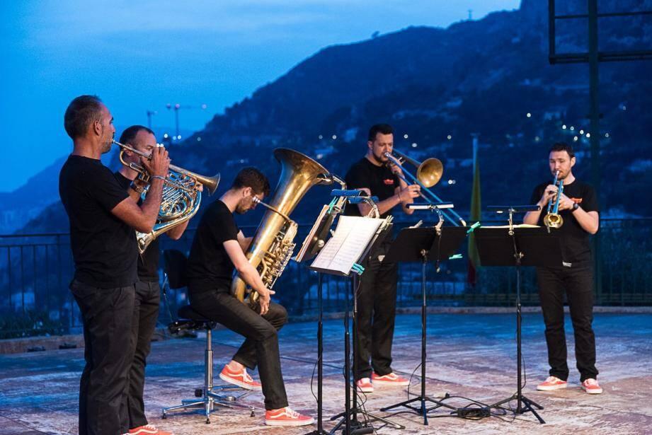 Invictus Brass quintet et L'Aïghetta quartet.