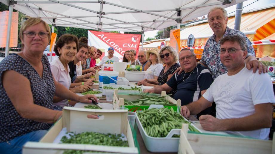 Les bénévoles ont préparé la veille les légumes.