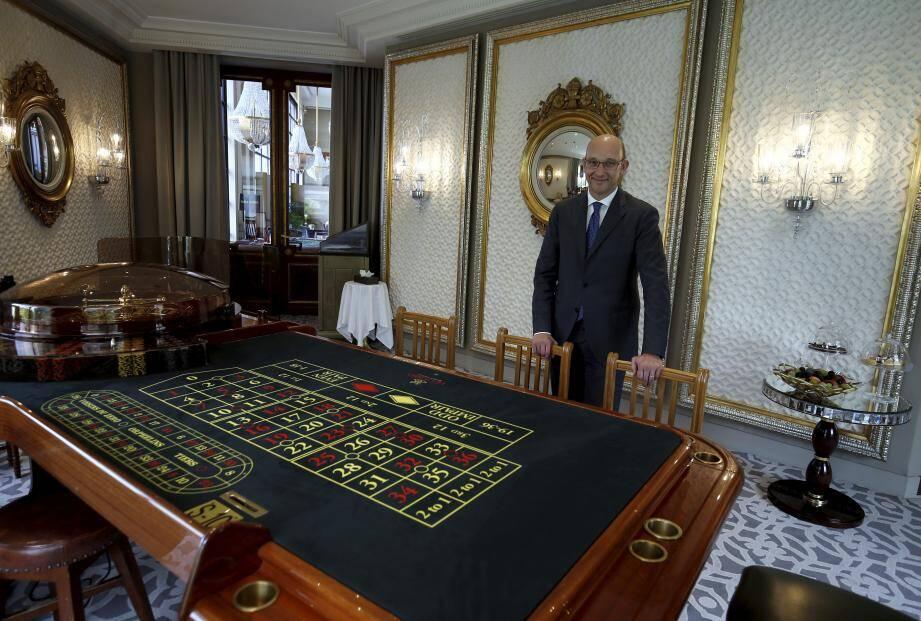 Pascal Camia, ici dans un salon privé rénové. Un espace discret, réservé à quelques clients très haut de gamme.