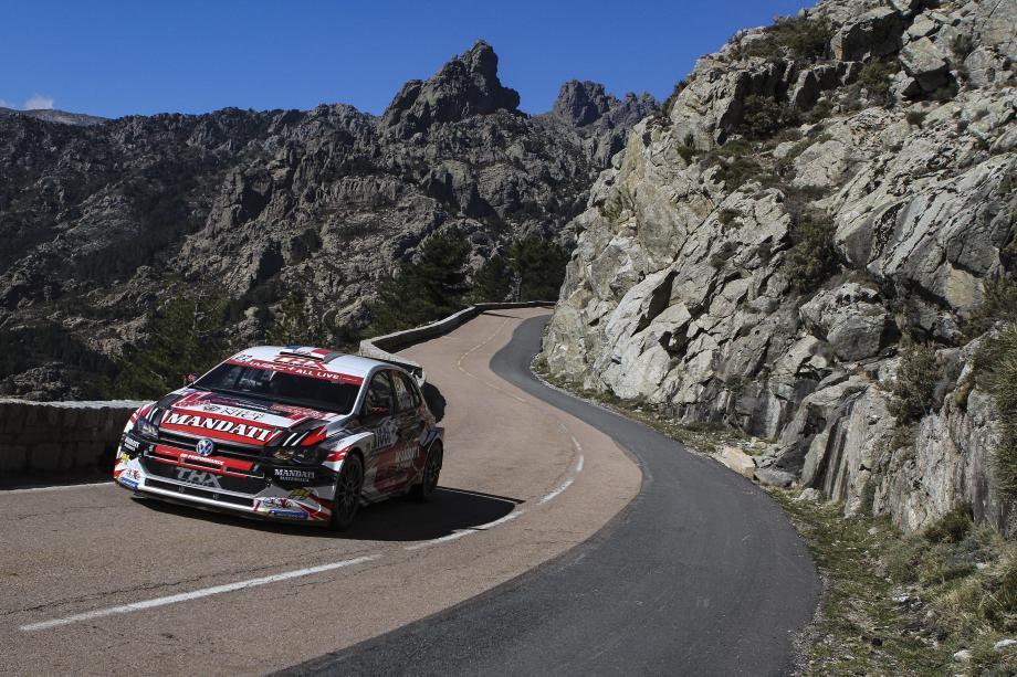 Cinq mois après son Tour de Corse inachevé (ci-dessus), Nicolas Ciamin espère hisser cette Volkswagen Polo R5 sur le podium du WRC2, la semaine prochaine en Allemagne.