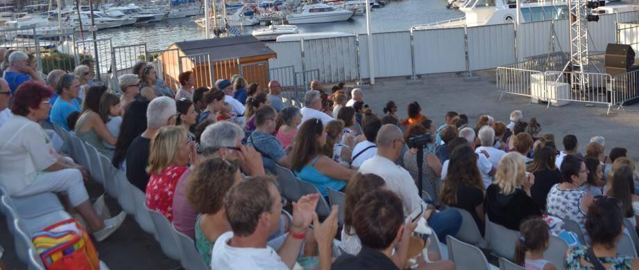 Le public est venu nombreux assister au concours de chant au Théâtre de la Mer.