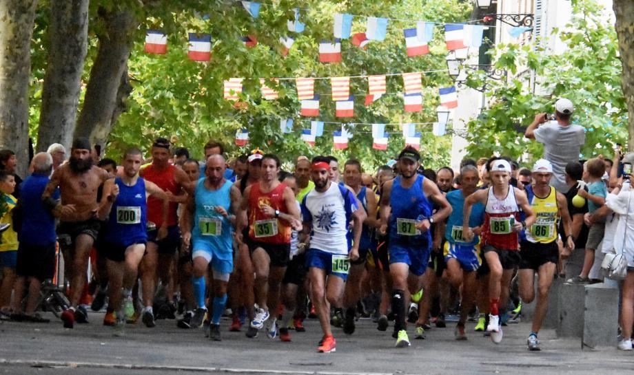 Les sourires étaient de mise lors des podiums du 10 km, la course vedette de cette Ronde des Bouscatiers.