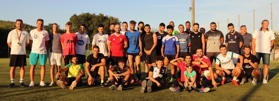 Les deux équipes seniors disposent d'un effectif impressionnant, signe de bonne santé du club.