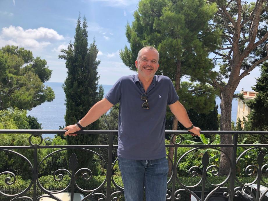 C'est maintenant en Principauté que Christophe Steiner, ambassadeur de Monaco à Paris depuis neuf mois, passe ses vacances d'été. L'occasion de retrouver sa famille et ses amis.