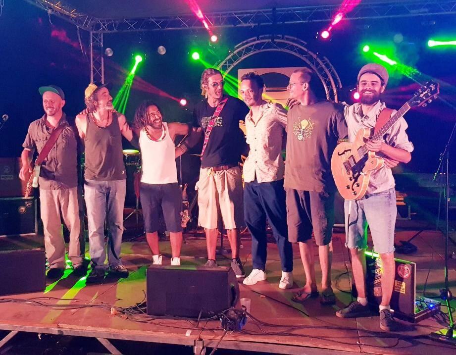 Le festival mandréen aura la chance d'accueillir le groupe Axetone, tribute Bob Marley (photo du haut), en guest star après que Cavalas Underground (ci-dessus) et divers DJ auront déjà fait monter l'ambiance au préalable.