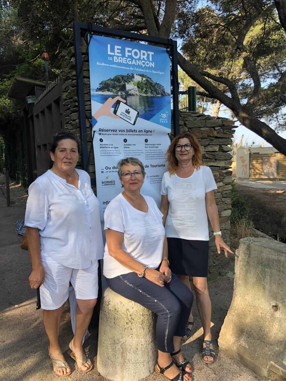 Les guides Fabienne Calvi-Bonaudo, Patricia Vigier et Martine Landini accompagneront les visiteurs dès lundi.