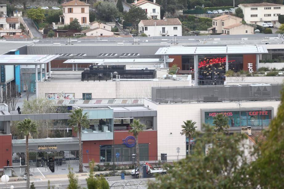 Avec près de 150 enseignes, Polygone Riviera, ici l'année dernière, se revendique comme étant le « premier centre de shopping et de loisirs à ciel ouvert de France ».(Archive Sébastien Botella)