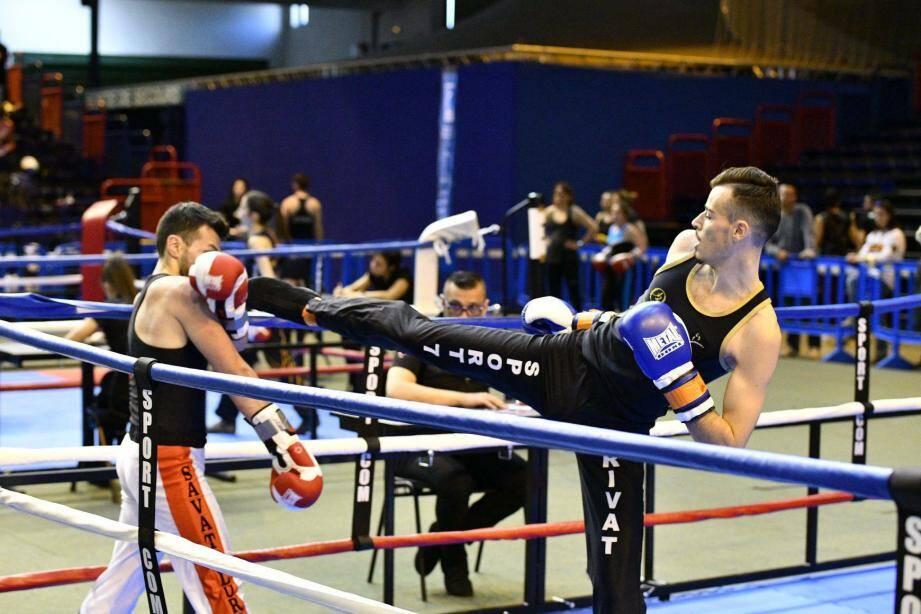 Lorenzo Place a moins de temps pour la boxe depuis son entrée dans la vie active. Mais cela ne l'a pas empêché de devenir champion de France et de se qualifier pour les prochains championnats d'Europe.