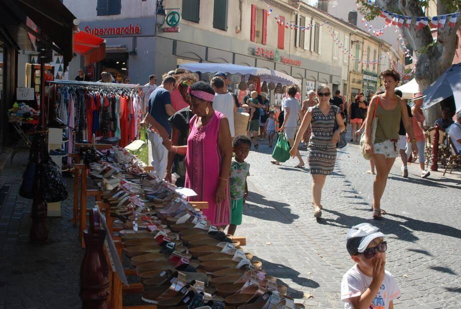 Ambiance shopping hier dans la rue de la République.