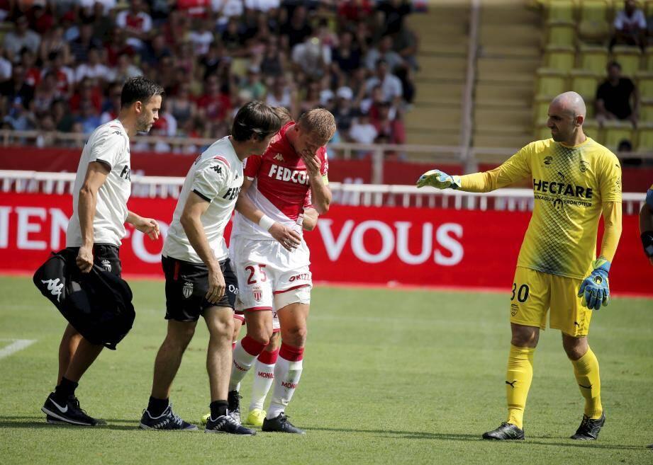 Contesté depuis plusieurs matches, le capitaine polonais a une nouvelle fois sombré défensivement. Il ne rassure plus. Plus du tout.