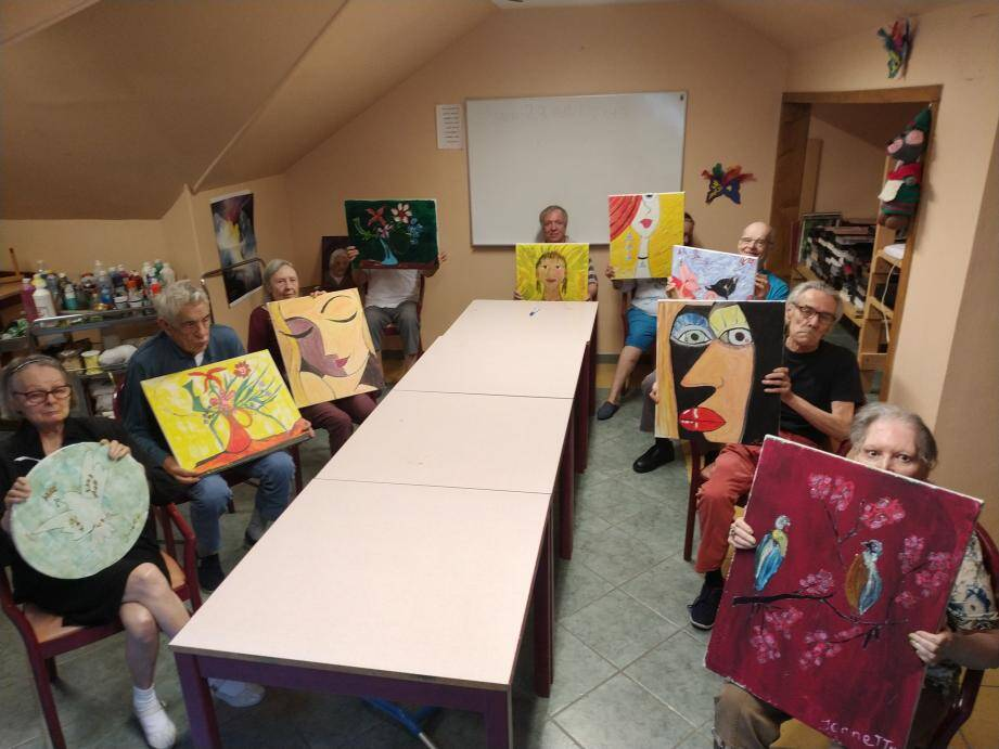 Les tableaux des résidents de l'Ehpad « Le Temps des Cerises », à Saorge, seront parmi les œuvres exposées à Breil.