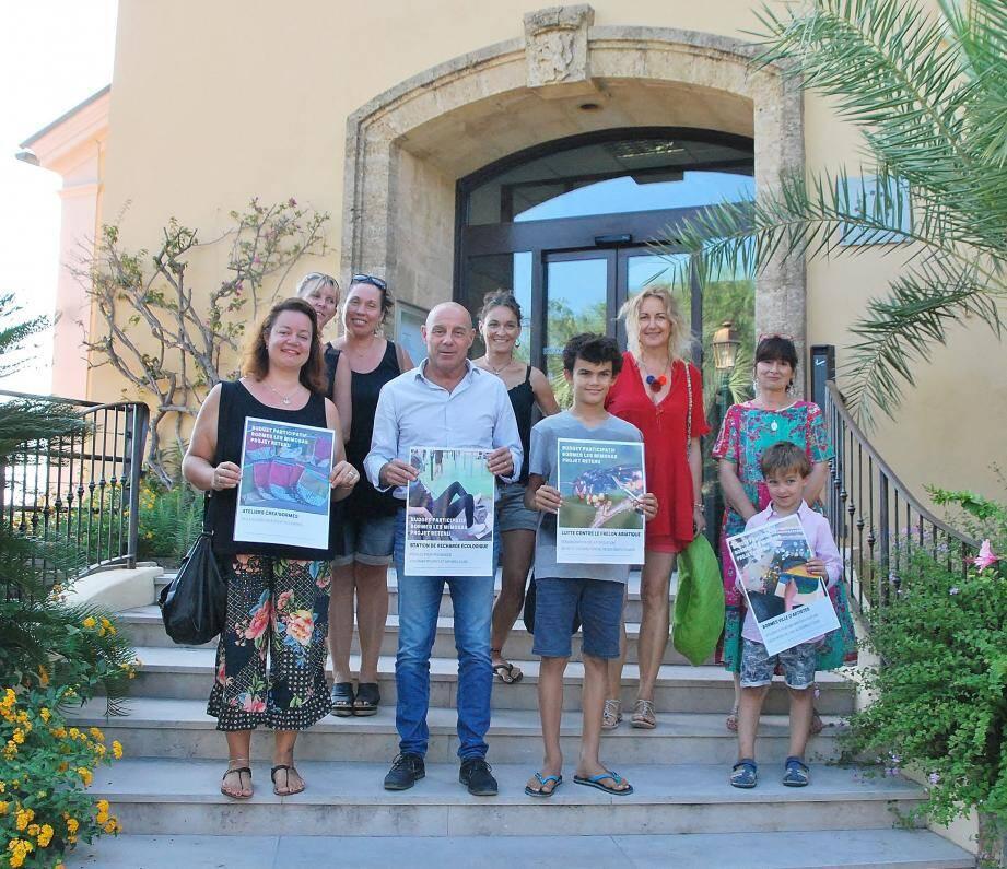 Le maire a félicité les lauréats désignés par les internautes.