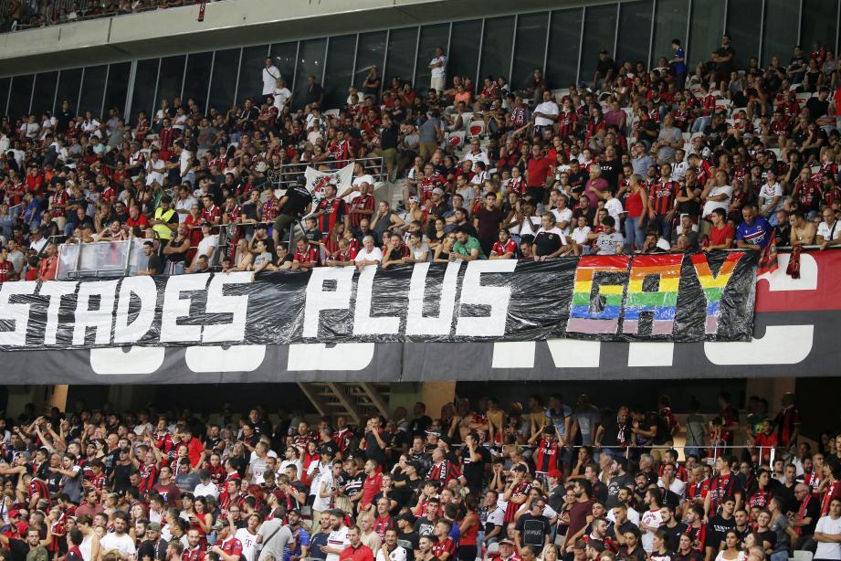 L'une des banderoles sortie lors du match Nice-OM, mercredi à l'Allianz Riviera.