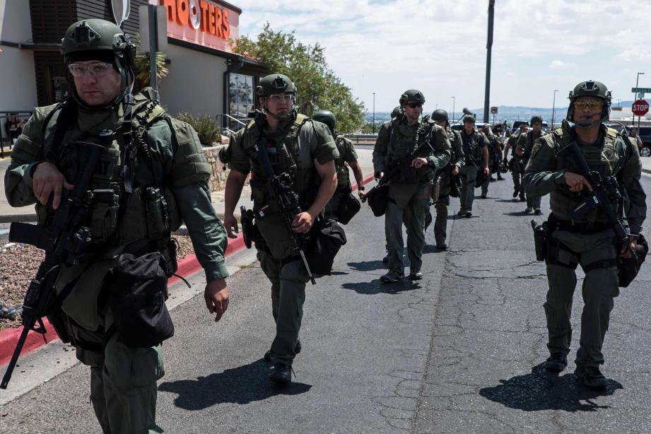 Une tuerie de masse a eu lieu dans un centre commercial du Texas samedi.