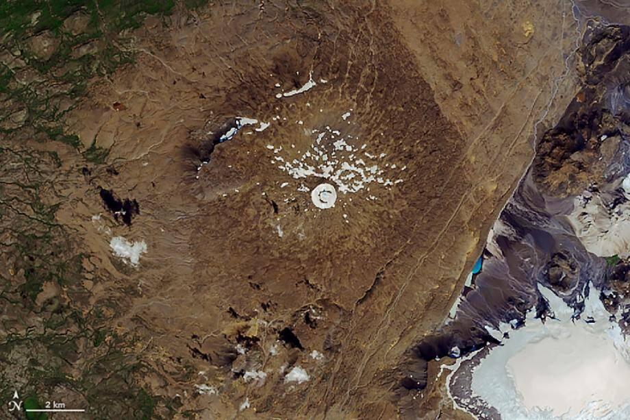 Image satellite diffusée par la Nasa le 1er août 2019 du glacier islandais Okjökul qui a pratiquement disparu, englouti par le réchauffement climatique