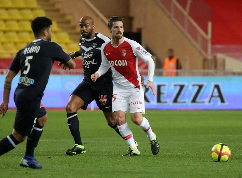 Adrien Silva devrait reporter les couleurs de l'AS Monaco.