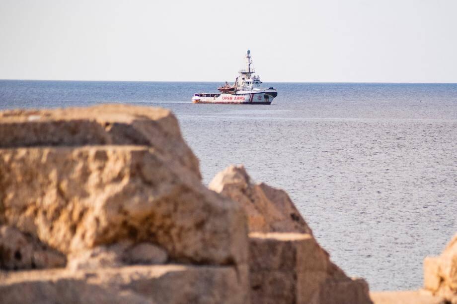 Le navire de secours de l'ONG espagnole Proactiva Open Arms au large de l'île italienne de Lampedusa le 17 août 2019.