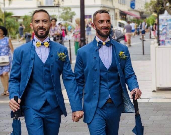 Aurélien et Vincent Moine-Vergult préparent une plainte contre les auteurs des propos homophobes les concernant.
