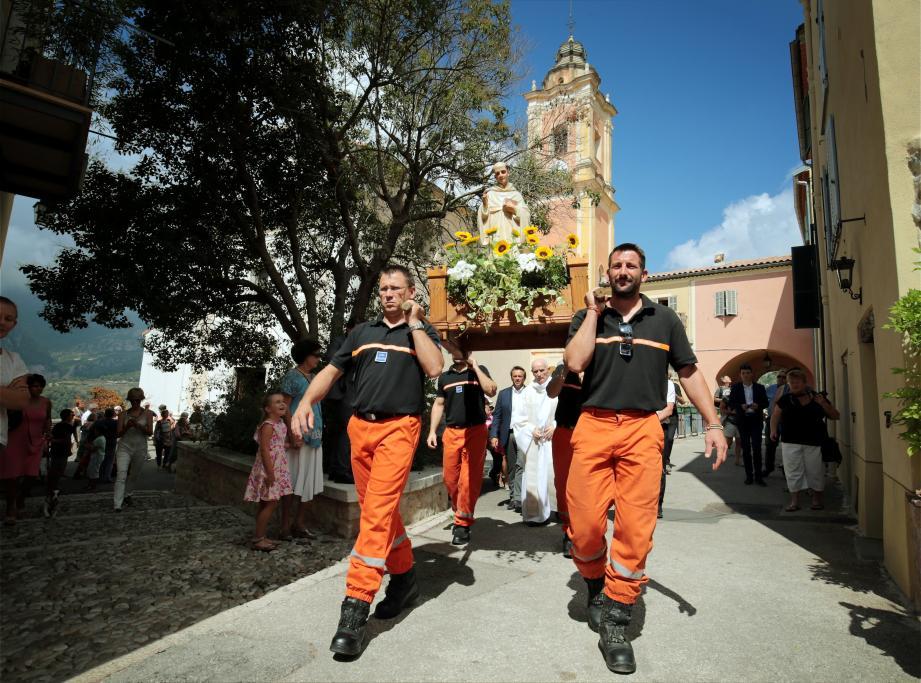 Lors de la procession au village.