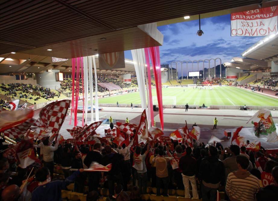 Les supporters de l'AS Monaco au stade Louis II.