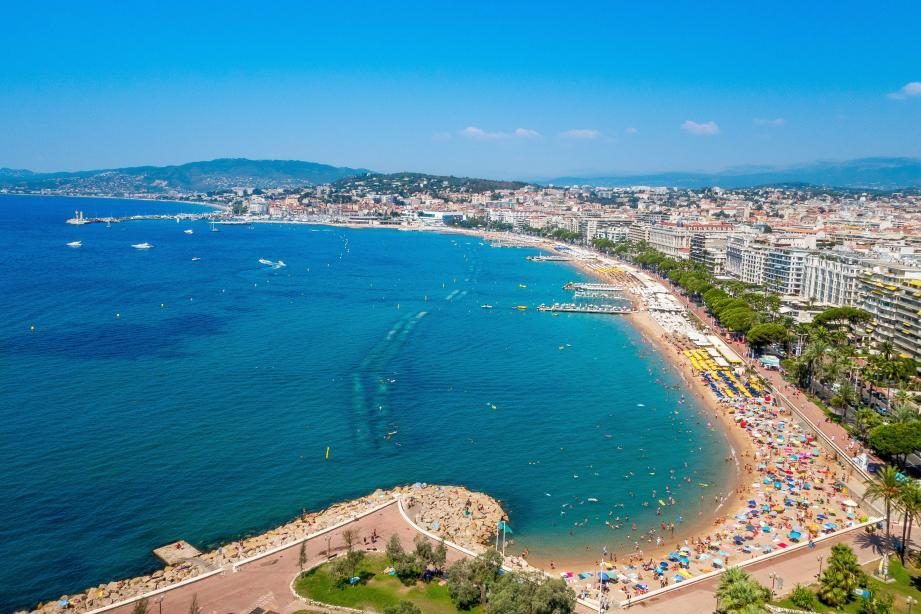Cannes et ses 19 plages privées sur la Croisette