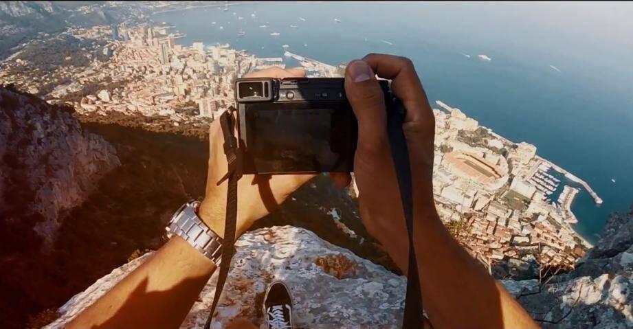 Ce jeune allemand n'hésite pas à prendre de la hauteur pour montrer qu'il aime la Côte d'Azur et Monaco.