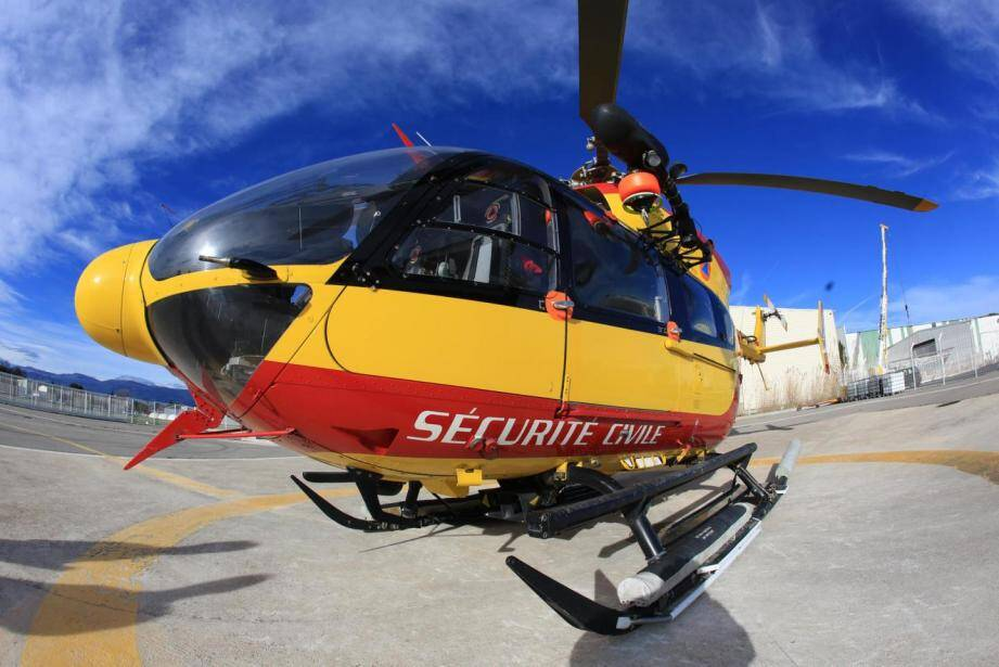 Un hélicoptère de la sécurité civile.