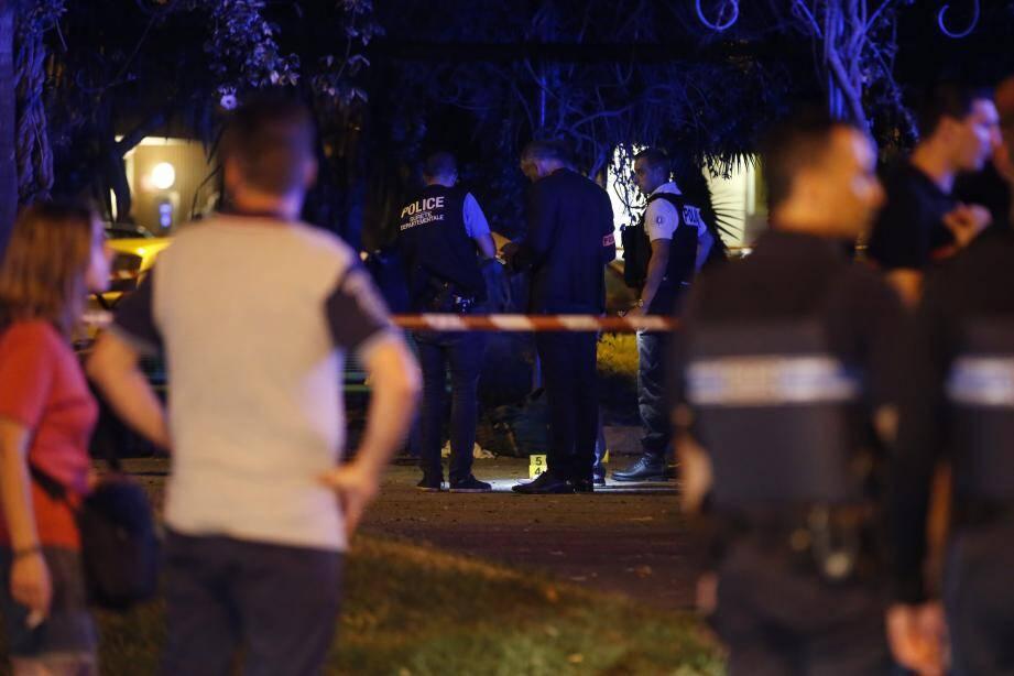 Le drame s'est déroulé dans le square, situé à proximité de la gare routière, sur la promenade du Maréchal-Leclerc-de-Hauteclocque.