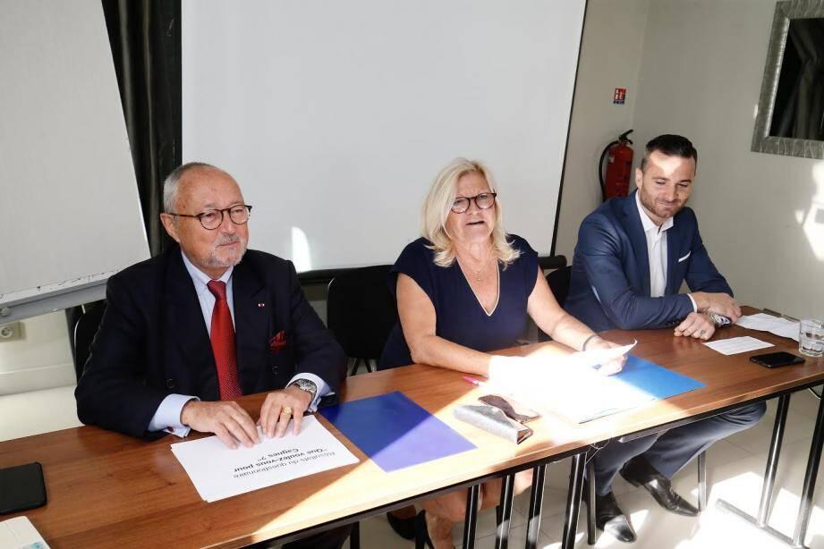 Dominique Schmitt, Josy Piret et Alexandre Governatori, ce mercredi matin pour le lancement de leur campagne.