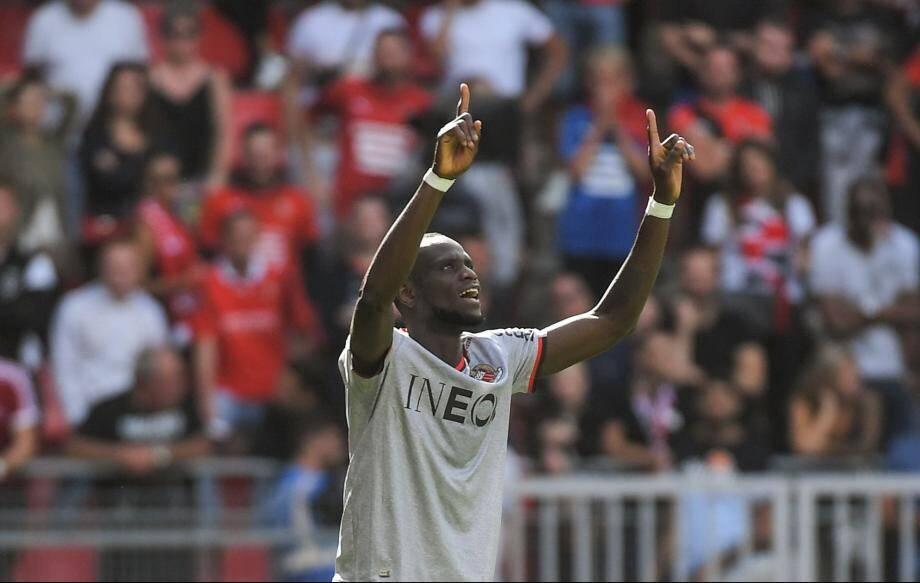 Racine Coly célèbre son but à Rennes.